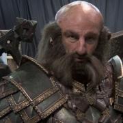 Dwalin con su gran armadura