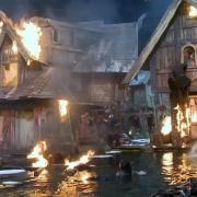 El decorado de Esgaroth, en llamas