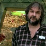 Peter Jackson y al fondo el tesoro de Smaug