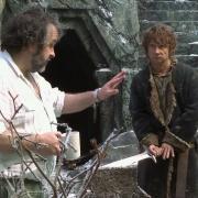 Peter Jackson y Martin Freeman en el decorado de la Colina del Cuervo