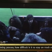 Bilbo y los Enanos en el bote de Bardo