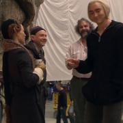 Evangeline Lilly, Martin Freeman, Peter Jackson y Lee Pace bromean