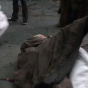 Gandalf y Galadriel se abrazan