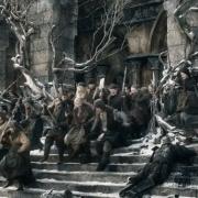 Las mujeres y heridos de Esgaroth cargan