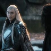 Thranduil le dice a Bardo que se quede con la Piedra del Arca