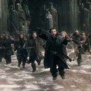 Thorin lidera la carga desde Erebor
