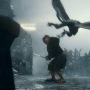 Bilbo se protege de los murciélagos