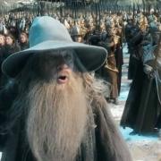 Gandalf advierte a los Elfos, Enanos y Hombres