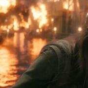 Tauriel en una Esgaroth en llamas