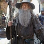 Gandalf en Valle con los supervivientes de Esgaroth