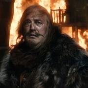 El Gobernador de Esgaroth en una ciudad en llamas