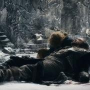 Bilbo llora la muerte de Thorin Escudo de Roble