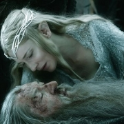 Gandalf y Galadriel juntos en Dol Guldur