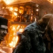 Alfrid y el Gobernador en la tormenta de fuego