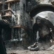 Gandalf hace frente al Troll en Valle