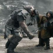 Bofur y Bombur intentan desenganchar a Bifur
