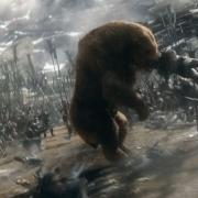 Beorn causa estragos entre los Orcos