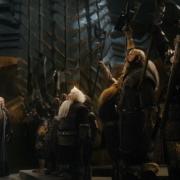 Gandalf y la compañía proclaman a Dáin