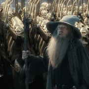 Gandalf intenta razonar con Thorin