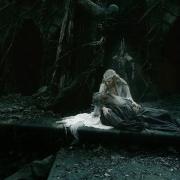Galadriel y Gandalf rodeados por los Espectros del Anillo