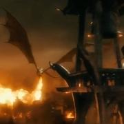 Smaug desata su ira sobre Esgaroth