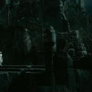 Galadriel avanza por Dol Guldur
