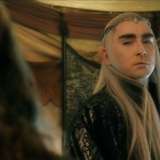 Thranduil interroga a Gandalf
