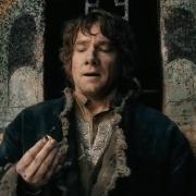 Bilbo contempla el Anillo Único