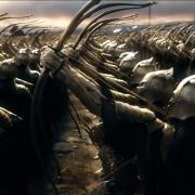 Los arqueros del ejército élfico listos para disparar