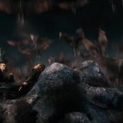 Una bandada de murciélagos sorprende a Legolas y Tauriel