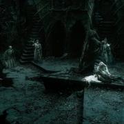 Los Nazgûl rodean a Gandalf y Galadriel