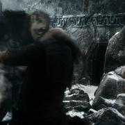 Dwalin acaba con uno de los Orcos en la Colina del Cuervo