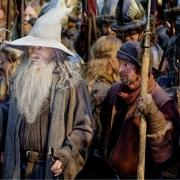 Gandalf con los supervivientes de Esgaroth