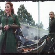 Tauriel y Legolas con los supervivientes de Esgaroth
