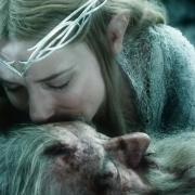 Galadriel besa a Gandalf