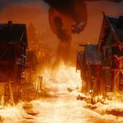 Smaug convierte Esgaroth en un infierno