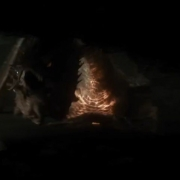 Smaug se dispone a escupir fuego