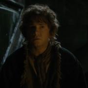 Bilbo entra con prudencia en Erebor