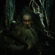 Gandalf huye por Dol Guldur