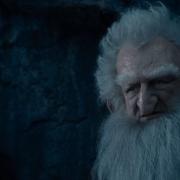 Balin defiende a Bilbo