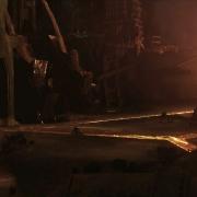 Thorin huye en una corriente de oro líquido