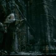Gandalf protege a Thráin ante Sauron