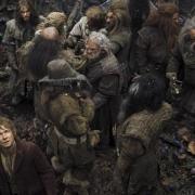Bilbo y los Enanos en el interior del Bosque Negro