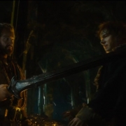 Thorin amenaza a Bilbo