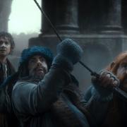 Bilbo, Bofur y Bombur en el bote de Bardo
