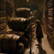 Bilbo prepara la huída en los barriles