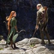 Tauriel y Legolas en un acantilado