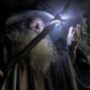 Gandalf investiga las Tumbas de los Nazgul