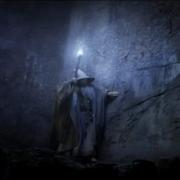 Gandalf investigando las Tumbas de los Nazgul
