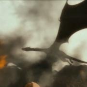 Smaug destruye la ciudad de Valle